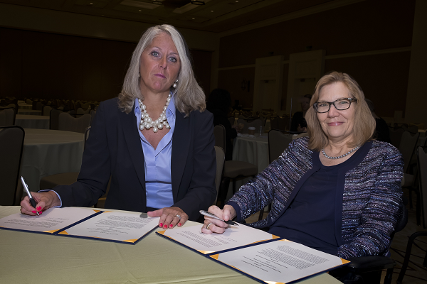 USBLN President Jill Houghton and ODEP's Jennifer Sheehy renew an alliance at the 2016 USBLN conference. Photo credit: Lawrence Roffee Photography