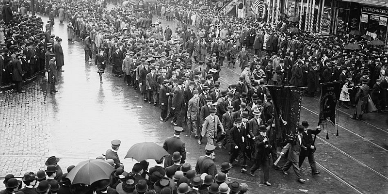 An undated Library of Congress photo showing a Labor Day parade in the early 20th century