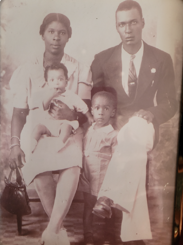 Joan's mother, father and two oldest brothers in 1944.